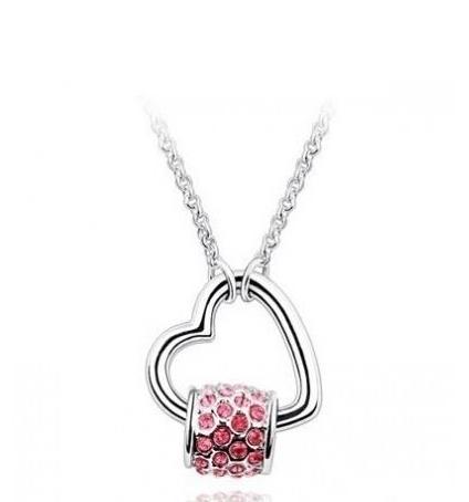 collier coeur kiss en cristal de swarovski elements rose. Black Bedroom Furniture Sets. Home Design Ideas